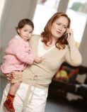 foto moeder en kind en telefoon